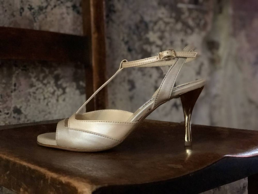 Alma In Osterica and Honey Gold Leather Combination