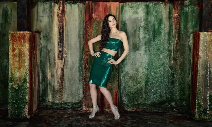 Make a powerful statement !! Natalia Cristofaro De Vincenti wearing Maia in Platinum Bullet metallic leather.